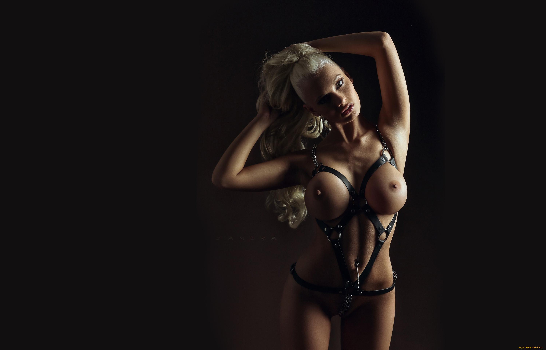 модели блондинки бондаж